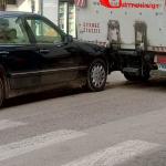 Σύγκρουση οχημάτων μέσα στην πόλη των Αγίων Θεοδώρων
