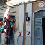 Σάλος στην Πάτρα: Συνελήφθη ιερέας για τον εμπρησμό καρναβαλικών κατασκευών!
